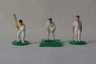 Subbuteo Test Match Cricketers  2 England Batsmen And England Wicketkeeper