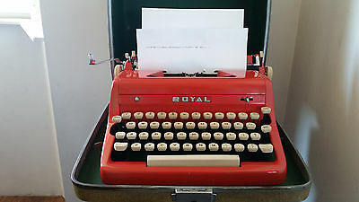 VINTAGE ROYAL QUIET DE LUXE TYPEWRITER RED WITH CASE KEY 1950s