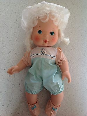 Vintage 1982 Kenner Strawberry Shortcake Blow A Kiss Doll Apricot