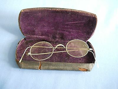 Antique Wire Silver tone Rimmed Oval Eyeglasses with case