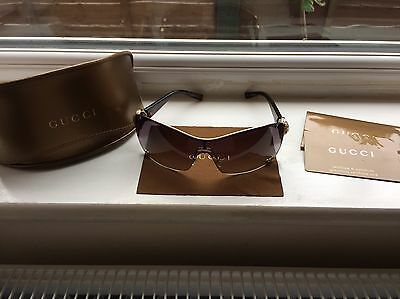 Authentic Gucci sunglasses, Case, Cleaning Cloth