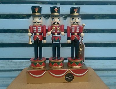 Handpainted Christmas Nutcracker Music Box Trio Of Soldiers 25Cms Wind Up Bnwt