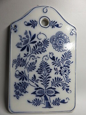"""Vintage Blue And White Porcelain Bread Cutting Board  10 7/8 """" x 6 7/8"""""""