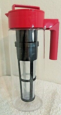 red Takeya TeaInfuser - Tea Infuser Maker -large 32 oz Pitcher with handle