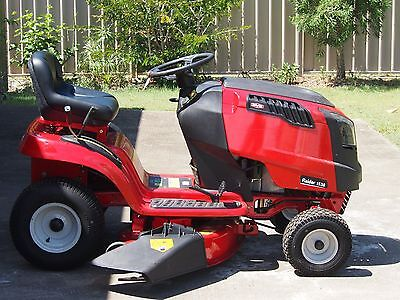 Rover Raider 1538 Hydro Ride on Lawn Mower used only 5 or 6 times