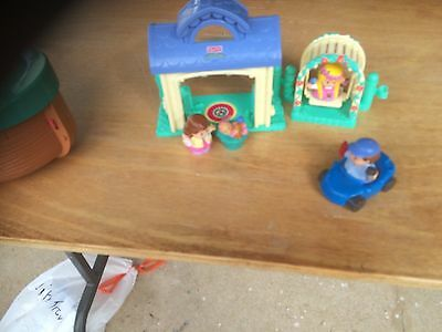 Fisher Price little people 8 pices play set