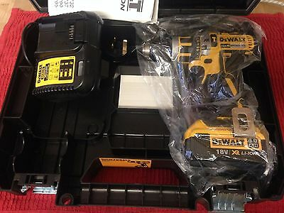 DEWALT xr hammer drill 4ah  18v,dcd795m2,mac tools and facom are the same group