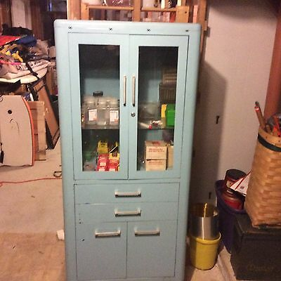 Hamilton Medical Cabinet - Vintage local pickup 06371  old Lyme ct