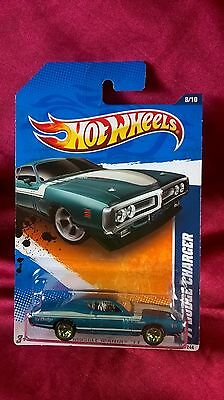 Hot Wheels '71 Dodge Charger Muscle Mania '11 Turqouise Blue Diecast 1:64 Scale