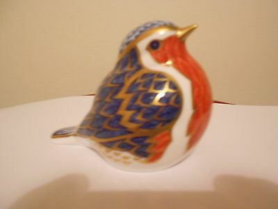 Royal Crown Derby Robin Paperweight  With Gold Stopper
