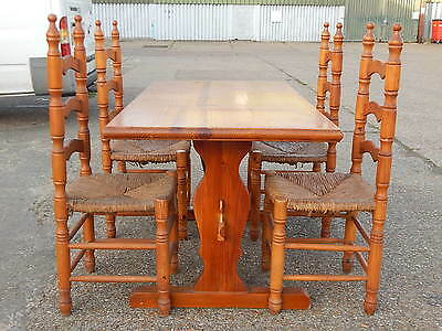Vintage solid pine farmhouse dining table with set of 4x spindle turned chairs