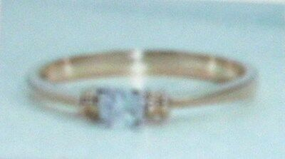 9K Gold And Diamond Solitaire Ring Size L