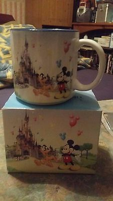 Lovely Little Disneyland Paris Mug With Lots Of Characters And Disney Castle