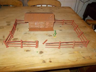 Timpo Wild West Ranch House & Fencing