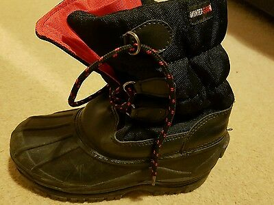 Childrens Size 1 winter grip boots