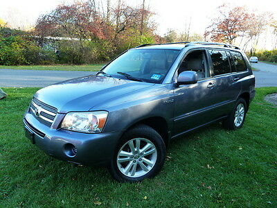 2006 Toyota Highlander HYBRID 4WD 4X4! CLEAN CARFAX! NO ACCIDENTS! NO RESERVE 3RD ROW SEAT 2 KEYS 2 REMOTES KEYLESS ENTRY RUNS DRIVES GREAT CLEAN
