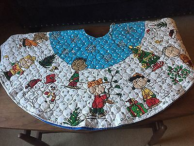 Peanuts Snoopy Charlie Brown Quilted  Fabric Christmas tree skirt