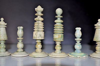 Piezas De Ajedrez Un Jugador Completo , Chess Pieces A Full Player  S.xix,bone