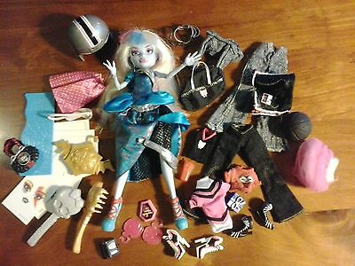 Monster High clothes outfits shoes accessories bulk lot with dressed doll