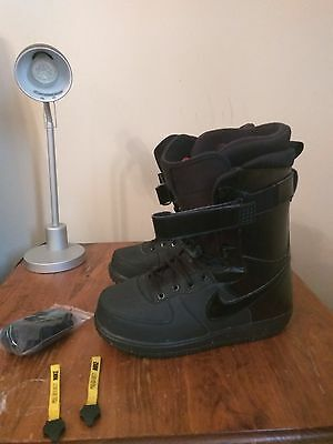 Nike ZOOM FORCE 1 US 7 snowboard snowboarding boots