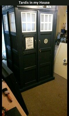POLICE PHONE CALL BOX FULL SIZE like a Prop Shed Dr Who TARDIS OR SWAP 4 DALEK *