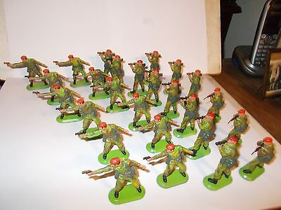 Britains Super Deetail Paratroopers  X  26
