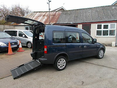 WHEELCHAIR ACCESSIBLE DISABLED WAV 2012 VAUXHALL COMBO 1.3 cdti TOUR AUTOMATIC