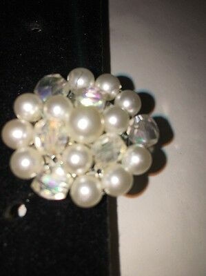 Silver TONE FAUX PEARL AND bead SCARF CLIP.