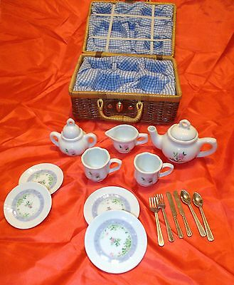American Girl Children's White And Blue Fine Porcelain Tea Set with Basket New