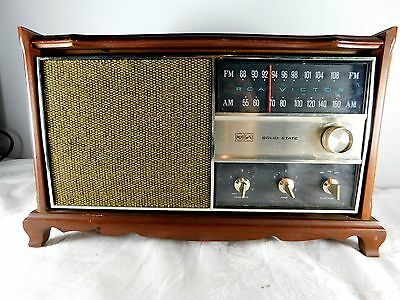 1966 RCA VICTOR SOLID STATE RADIO Model RJC49F Fruitwood - Works