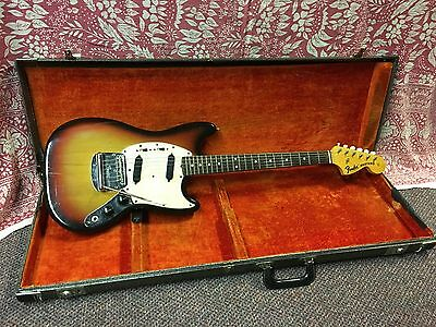 1970 Fender Mustang Electric Guitar Sunburst Vintage USA