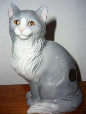 John Beswick Grey / White Long-Haired Cat Sitting Mint Condition