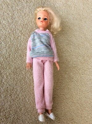 1980s Sindy In Pink Tracksuit