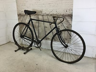 Vintage Bicycle,1930s Sports Bike, path Racer, bsa Chainset, sloping Top Tube