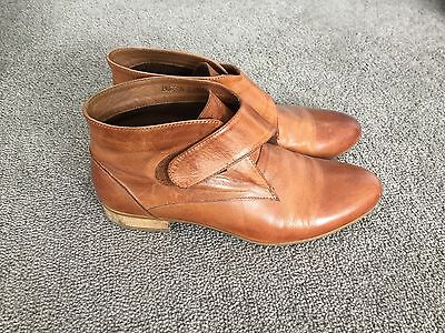Women's tan leather ankle boots size 7