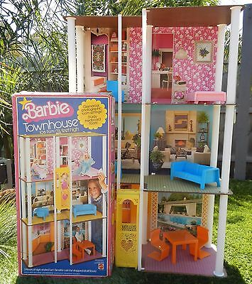 Vintage 1977 BARBIE Townhouse Complete with Box - Will Post Aust Wide