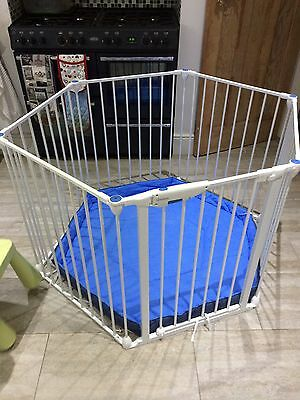 Playpen Room Divider Lindam With Cushion