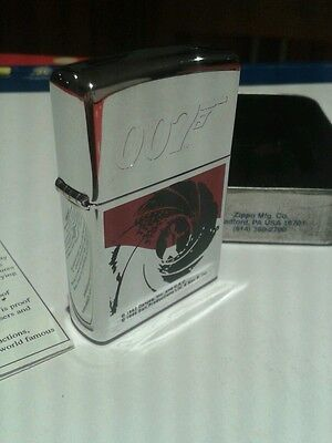 ZIPPO 007 JAMES BOND LIGHTER COLLECTABLE NEW (with tin)