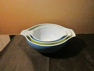 pyrex bowls lot of 3,