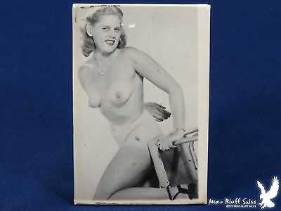 Vintage Nude Naughty Risque Pin-Up Pocket Mirror