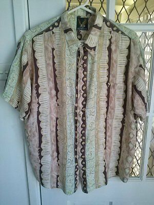 Vintage 90s  mens rayon casual  S/S shirt size L