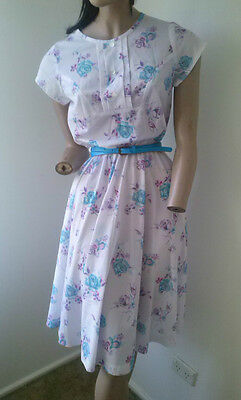 Vintage 80s floral day dress with belt and scarf size 8-10/XS-S