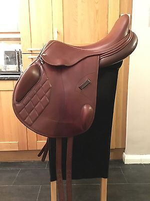 "Harry Dabbs Avant Monoflap Jump/event Saddle 17.5"" MW"