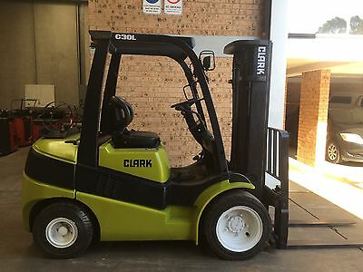 National Forklifts - 2006 Roll Out CLARK 3ton  Container Mast SS.good Hours