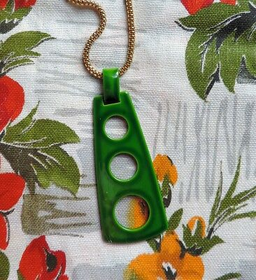 Retro Modernist 1970's Green Enameled Necklace Gold Curb Chain Vintage Kitsch