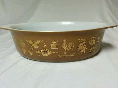 Vintage Early American Gold Brown PYREX 2.5 qt Oval Casserole Dish