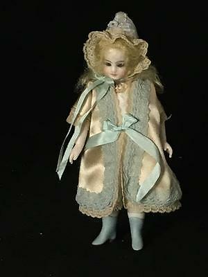 "American Artist Darlene Lane All Porcelain Bisque 5.5"" Migonnette Doll"