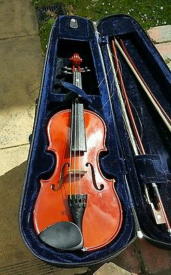 Violin Stentor Music Company Limited . The Stentor student II