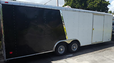 24' Tandem Axel Trailer / Enclosed Auto Hauler