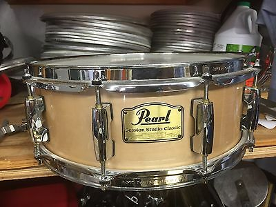 Pearl Session Custom 5x14 Maple Snare Drum-  Great Playing Drum!